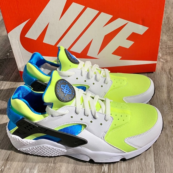Nike Other - Nike Air Huarache Run SE Running Shoes Sneakers